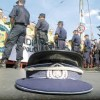 Nu trageţi în poliţişti