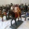 Cai de lemn, soldaţi de plumb şi ofiţeri de paie