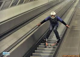 cu schiurile pe scari